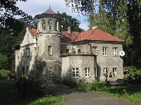 Dwor Manor